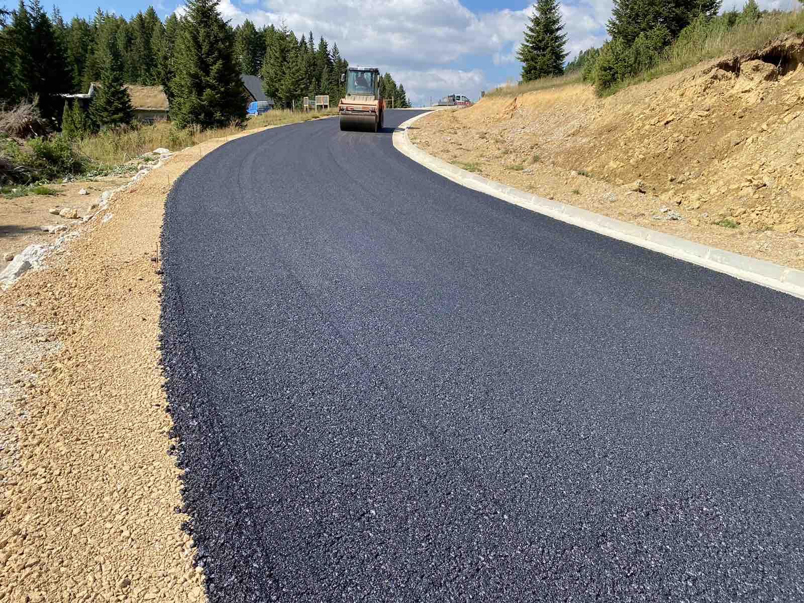 Počelo asfaltiranje pristupne saobraćajnice prema planinskom centru Štedim