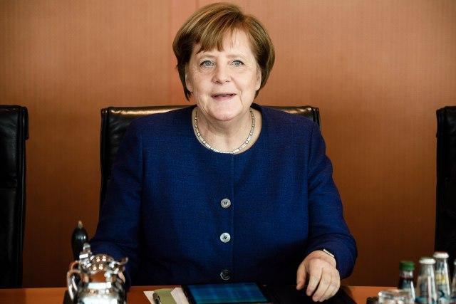 Anketa: Merkel sve popularnija