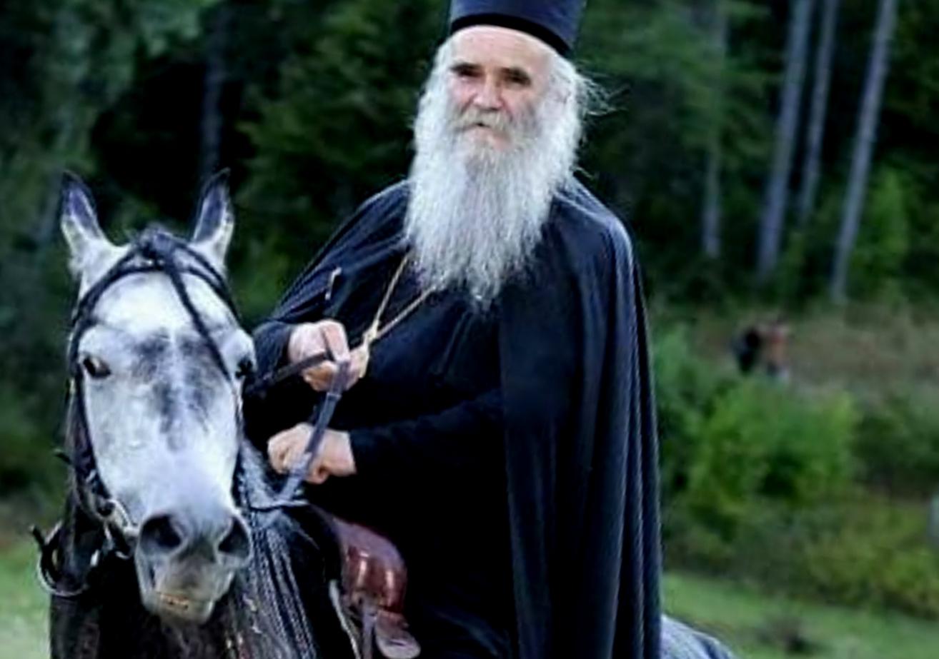 Rusi otpisali Amfilohija, tipuju Irineja Bulovića za patrijarha SPC. Ali, Vučić ima svoga kandidata…