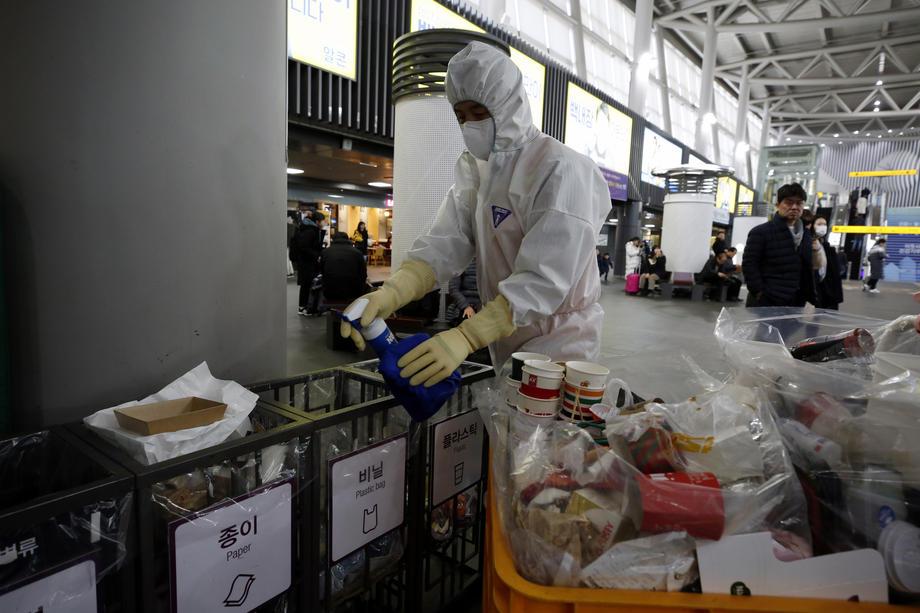 Obustavili letove za Kinu do 9. februara