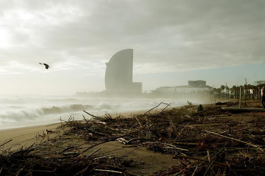 U oluji Glorija poginulo najmanje 13 osoba