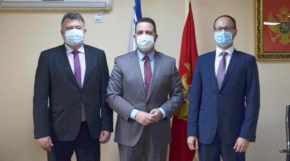 Slovačka donirala 15 hiljada eura Kliničkom centru
