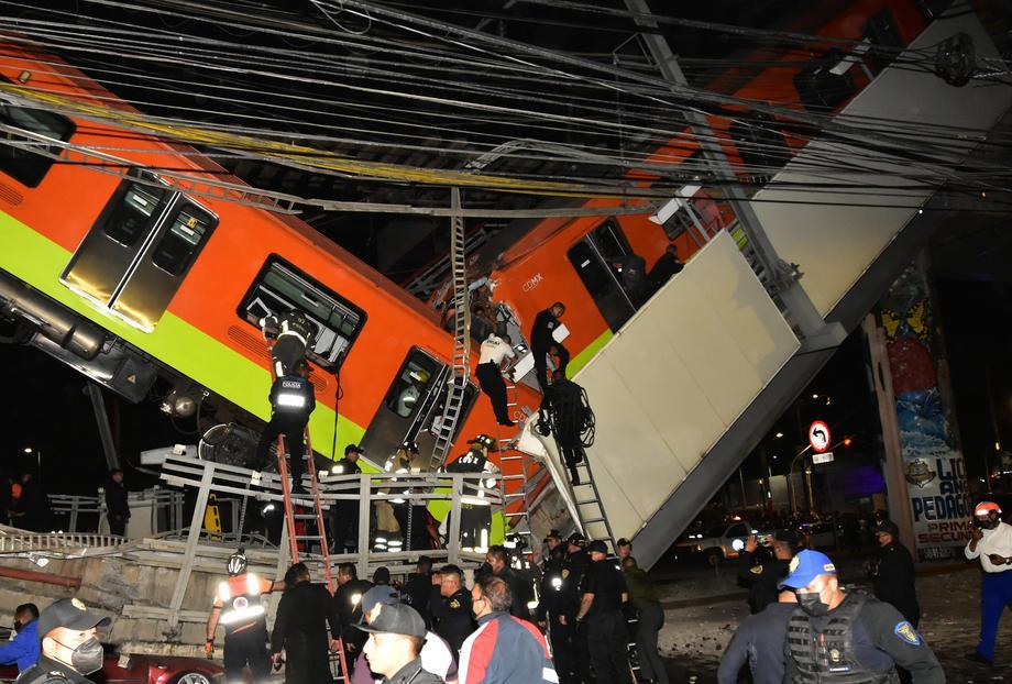 Srušio se nadvožnjak za metro u Meksiku, desetine mrtvih i povrijeđenih