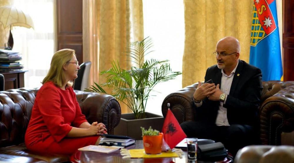 Uoči popisa: Predsjednik Zajednice Crnogoraca u Albaniji s gradonačelnicom Skadra