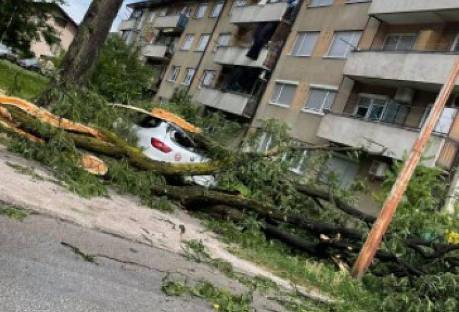 U nevremenu u Bihaću stradala jedna osoba