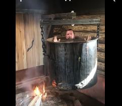 Ruski biznismen bizarnim snimkom poslao poruku: Ovako se liječe razne bolesti