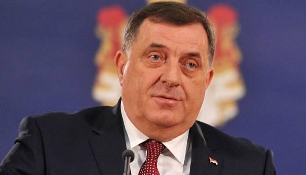 Dodik: Vučiću ću prenijeti da su napadnuti Srbi u zemljama regiona