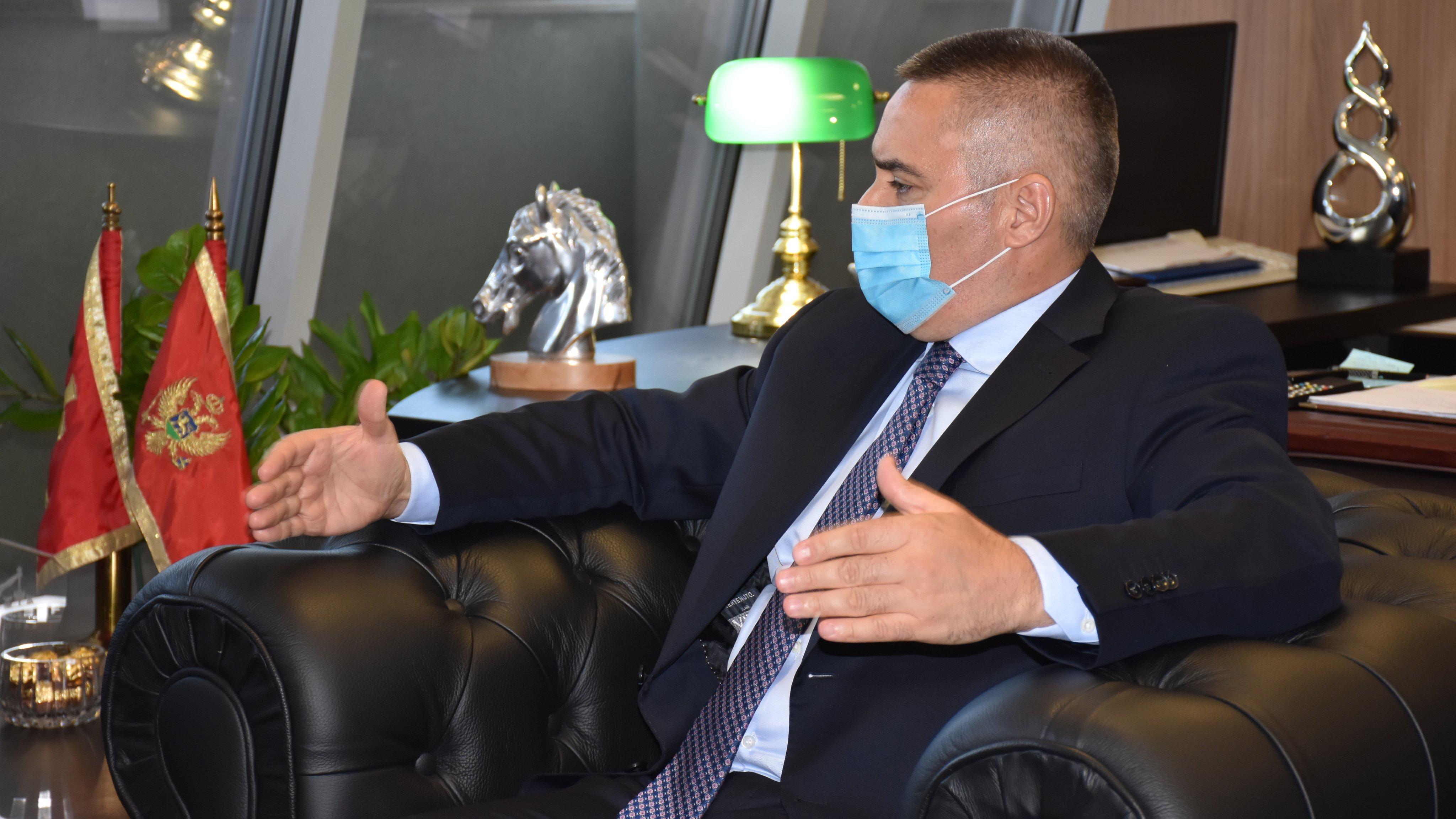 Veljović premijeru: Kada sljedeći put budete tražili krivca za bunt naroda i protest pogledajte u ogledalo