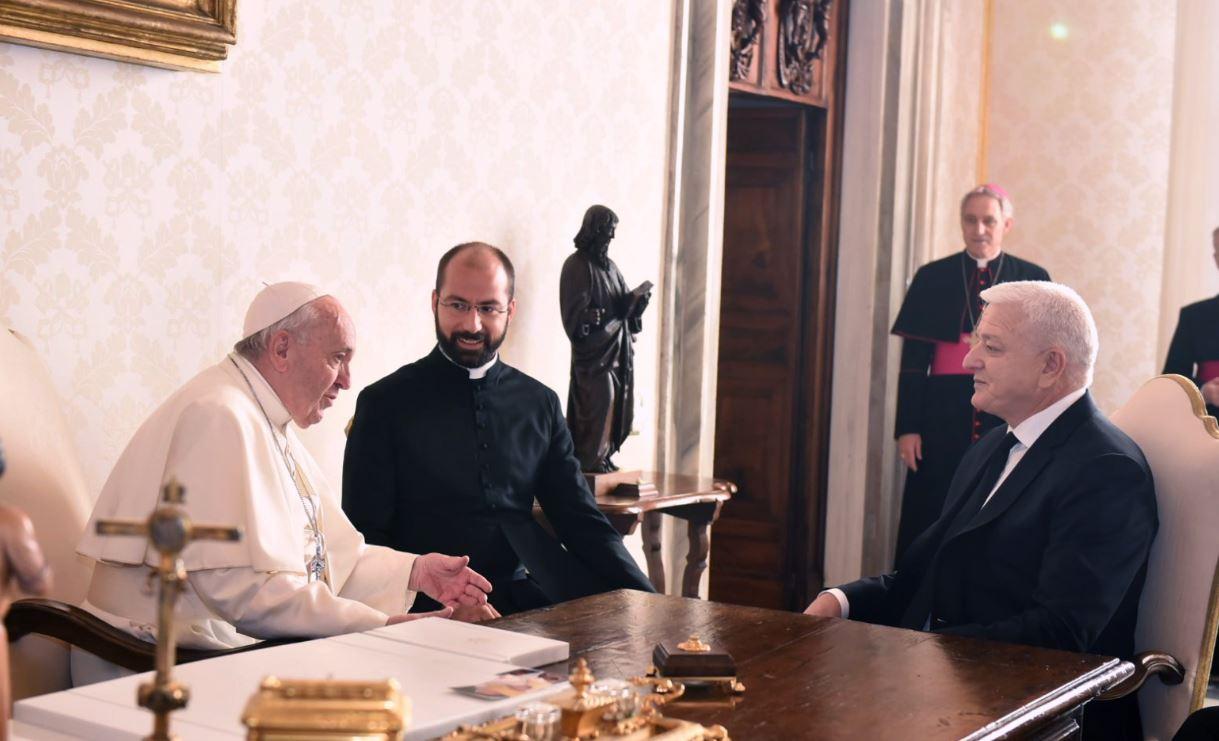 Marković se sastao sa papom Franjom