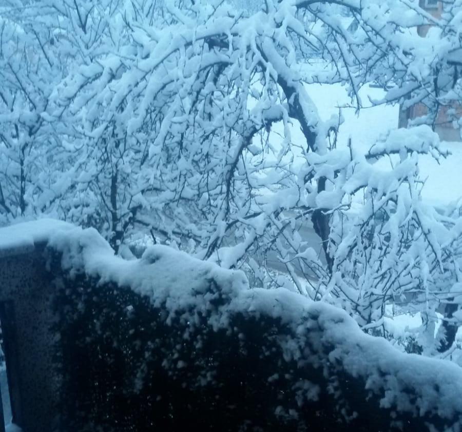 Hladni talas zahvatio region: Snijeg u Splitu, Mostaru, Sarajevu...