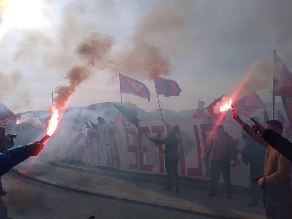 Sa Cetinja poručeno: Svetinje su crnogorske!