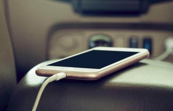Konačno: Evropski parlament traži uvođenje univerzalnog punjača za mobilne
