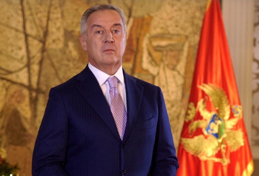 Đukanović: Neću potpisati predloge za razrješenje Dakića i Pešića