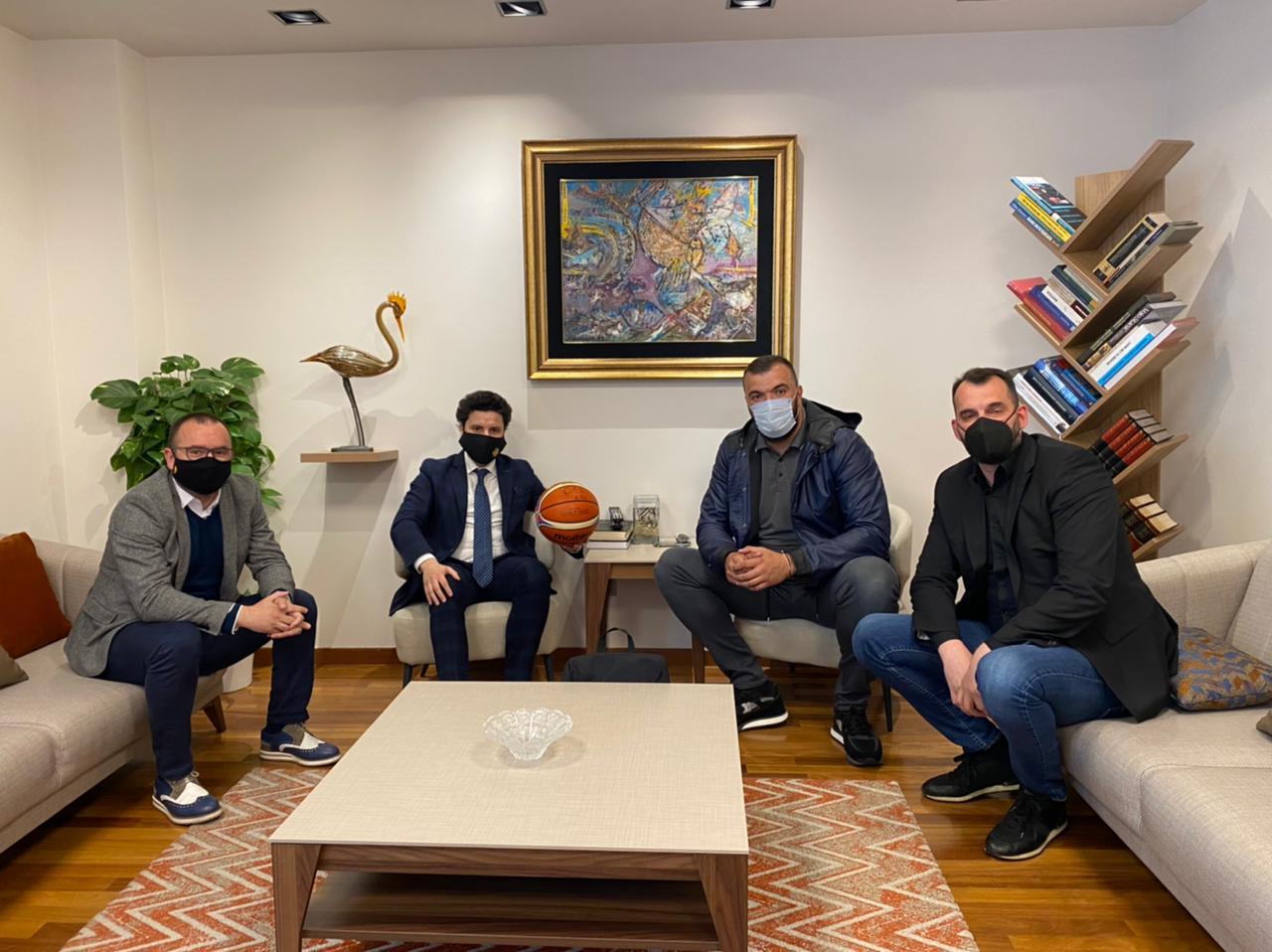 Abazović sa Pekovićem i Radovićem: Crna Gora prepoznata kao zemlja košarke