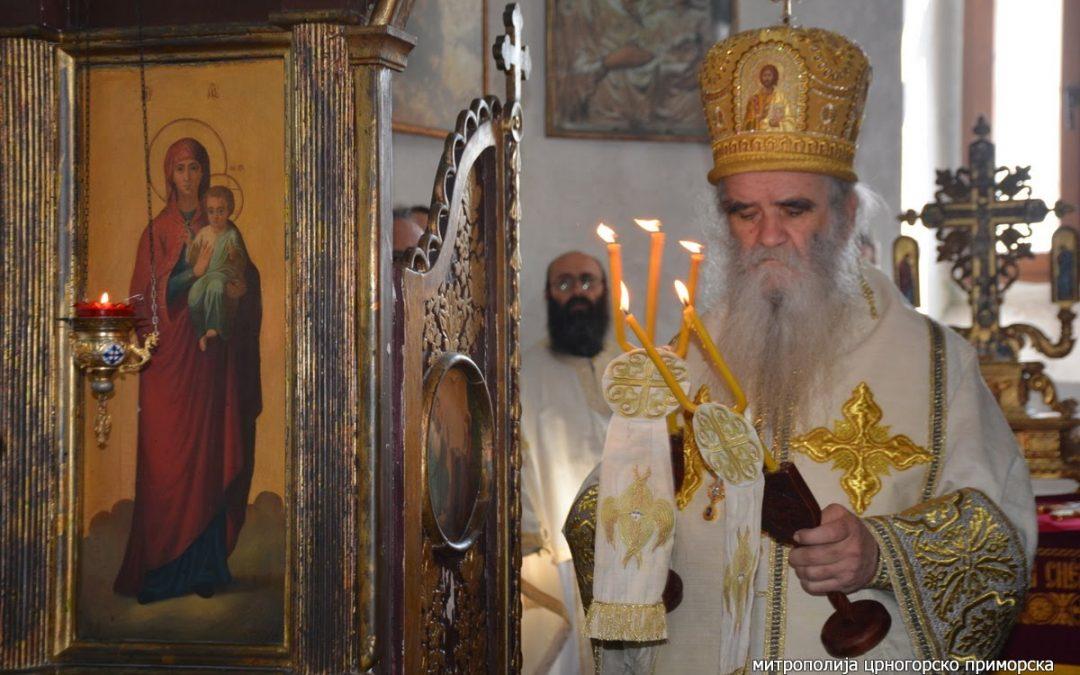 Amfilohije: Crna Gora biće prokleta dok ne vrati Njegoševu crkvu na Lovćenu