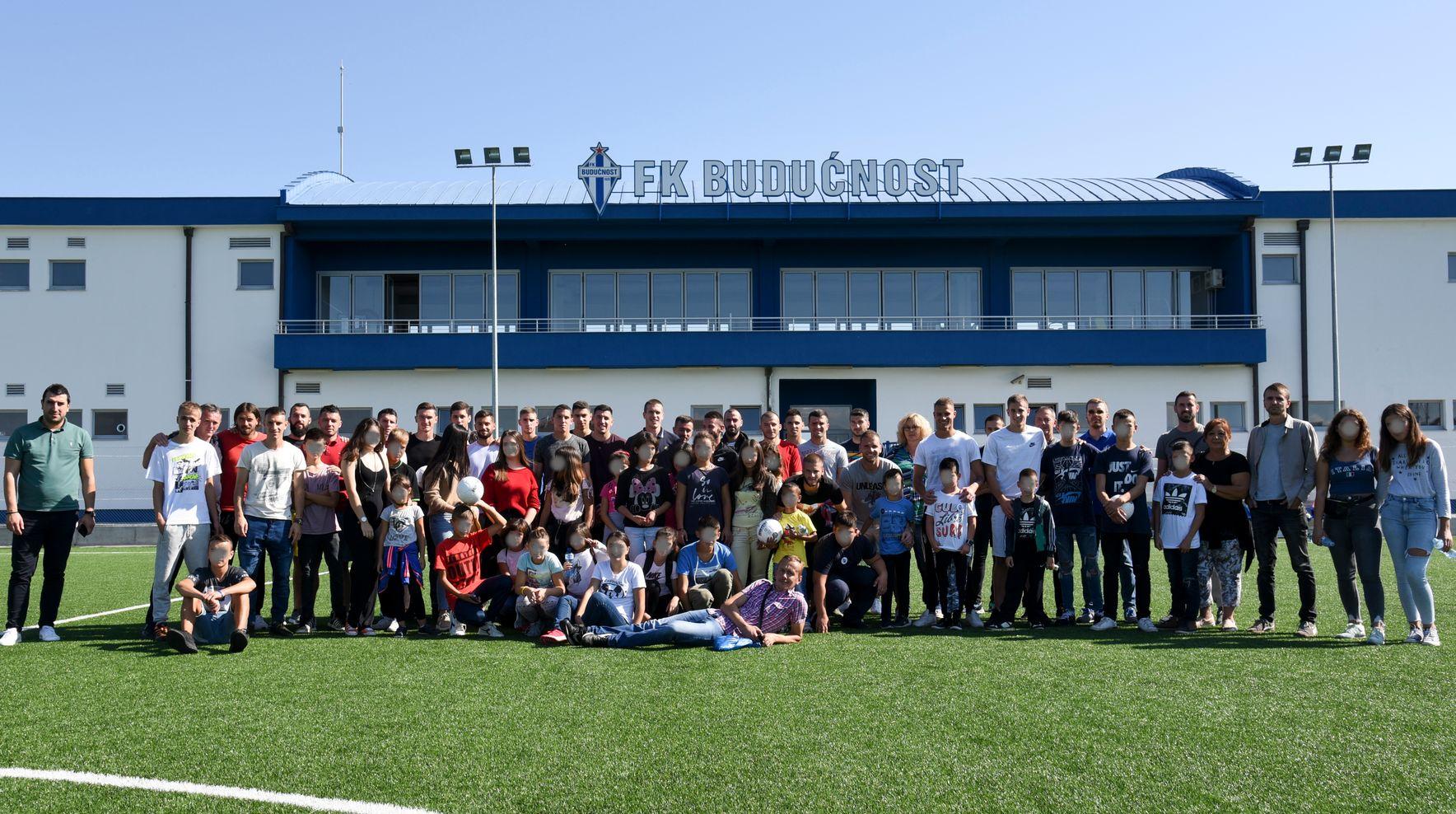 Djeca iz Doma Mladost u Bijeloj bila u posjeti FK Budućnost