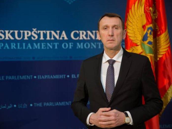 Novović: Predstavnicima časnih profesija nije mjesto tamo gdje se omalovažava Crna Gora