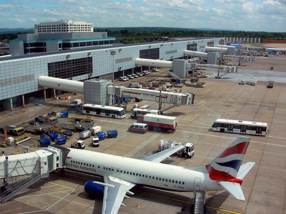 Obustavljeni svi letovi na londonskom aerodromu