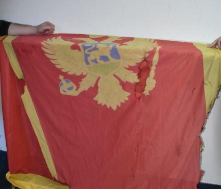 Nedović: Zastava skinuta sa jarbola pa zapaljena
