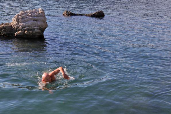 Još jedno decembarsko kupanje: Ljeto za Novljanina traje 12 mjeseci