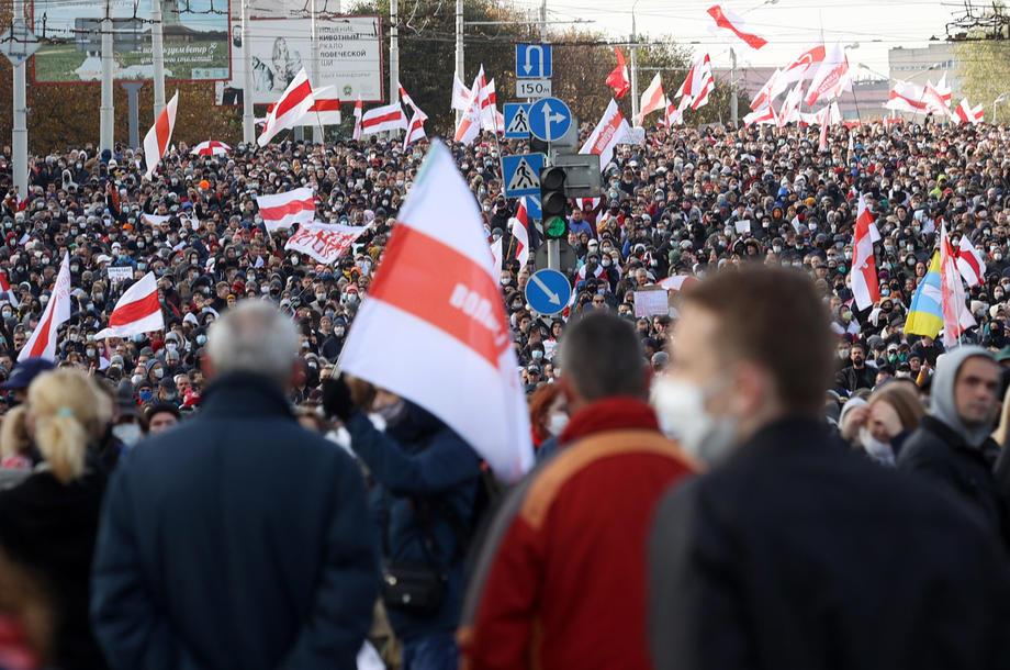 Desetine hiljada na demonstracijama protiv Lukašenka, uhapšeno više od 200 osoba