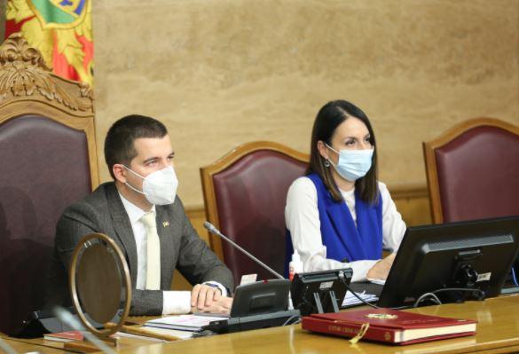 Buran dan u Parlamentu: Nastavak rasprave o predloženoj Vladi sjutra u 11 sati