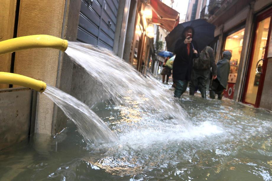 Iz jadranskog bisera stižu nestvarni prizori kataklizme, grad je potopljen
