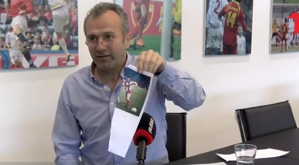 Savićević objasnio zbog čega je pocijepao sliku sa Brnovićem