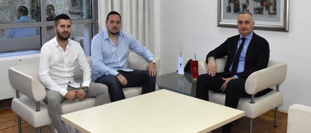 Nikolić čestitao Međunarodni dan studenata: Vi ste naši ambasadori znanja
