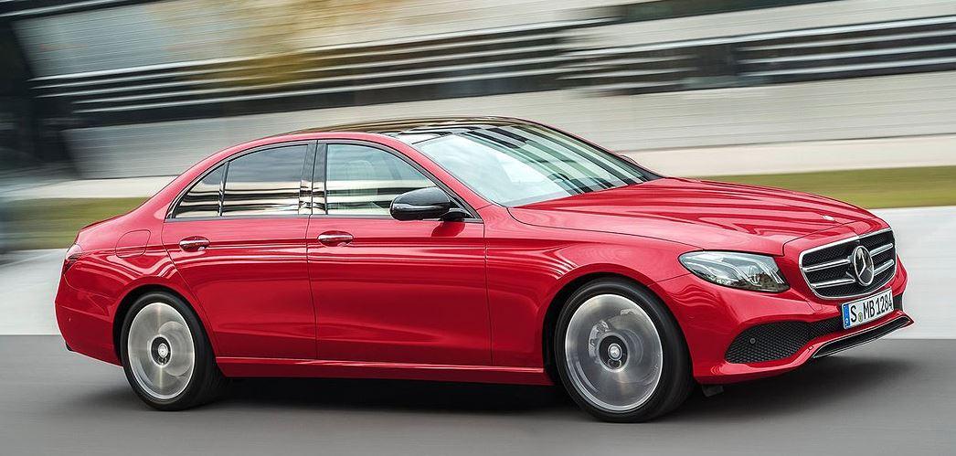 """Mercedes """"časti"""" radnike sa po 5.000 eura"""