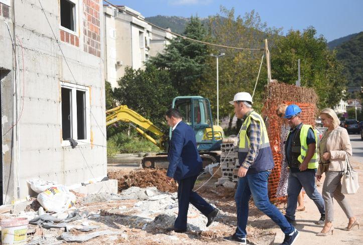 Tivat: Kusovac obišao gradilište Dnevnog centra za djecu sa smetnjama u razvoju