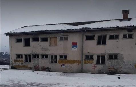 Govor mržnje opet u Beranama: Zastrašujući grafiti na zgradi u naselju Dolac
