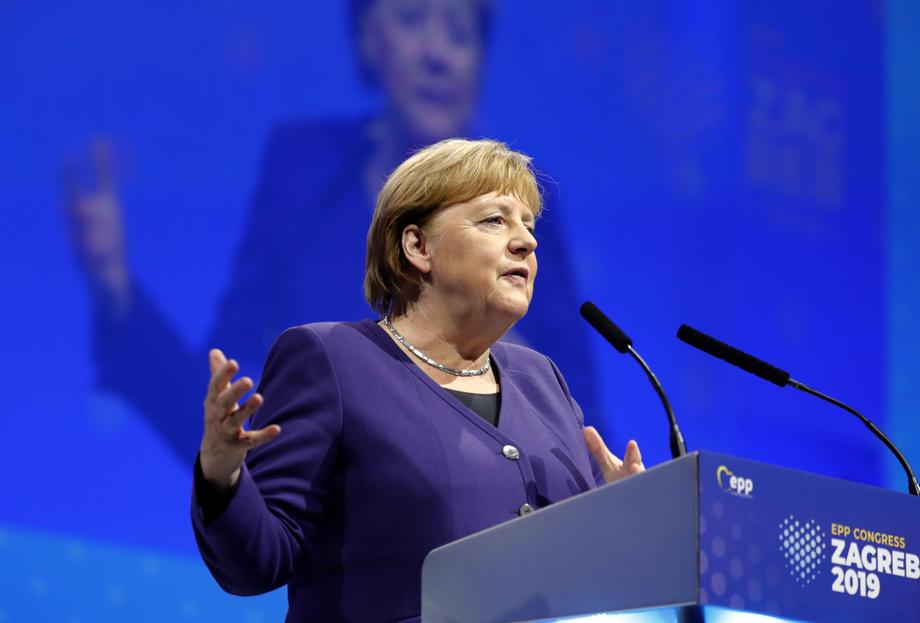 Merkel devetu godinu najuticajnija žena na svijetu