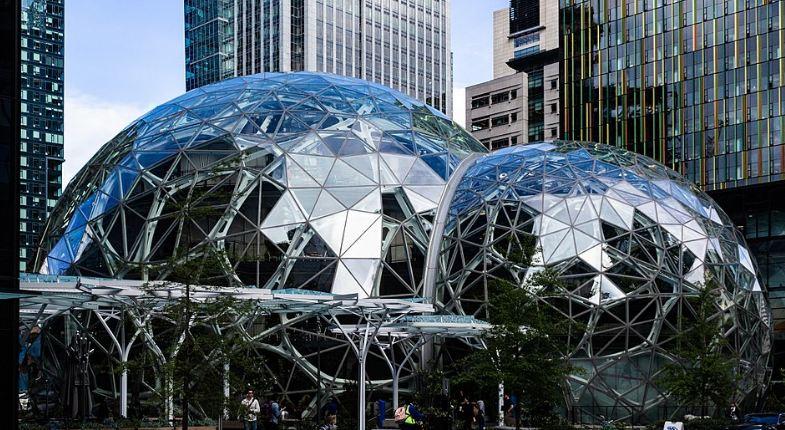 Amazon zapošljava još 30 hiljada ljudi