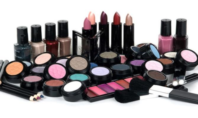 Hemikalije u kozmetici povezane s ranijim pubertetom kod djevojčica