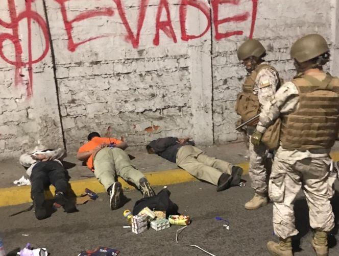 Protesti u Čileu: Najmanje sedam mrtvih, tenkovi na ulicama, stotine uhapšenih