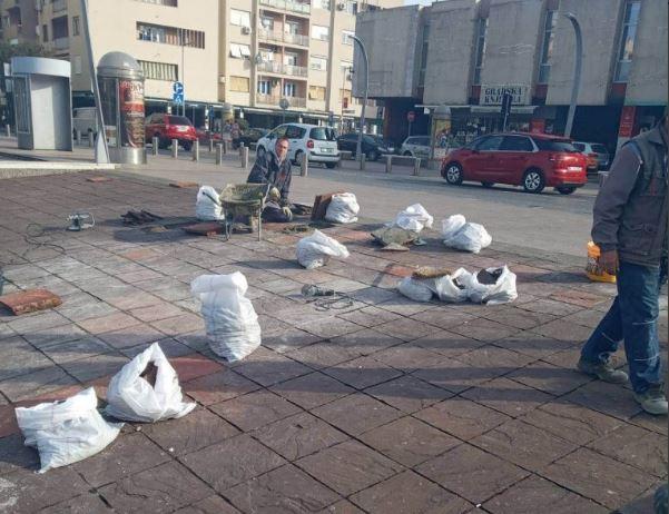Na više lokacija: Glavni grad popravlja oštećene kamene ploče