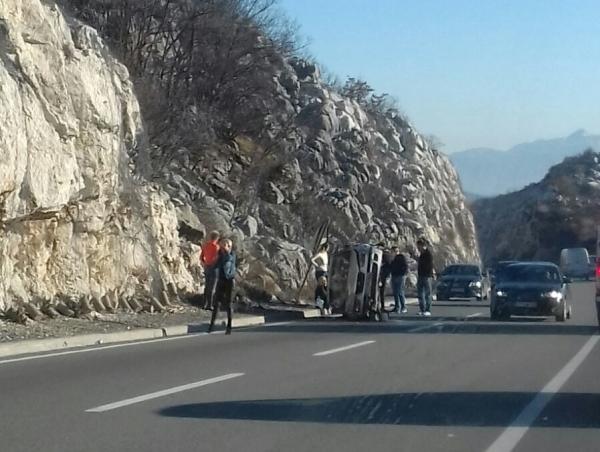 Udes na putu Podgorica - Cetinje, jedna osoba povrijeđena