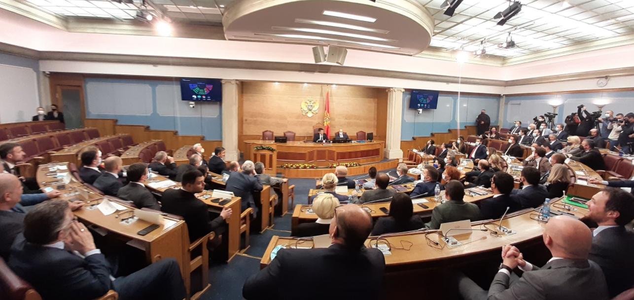 Izglasana nova Vlada, 41 poslanik dao podršku Krivokapiću