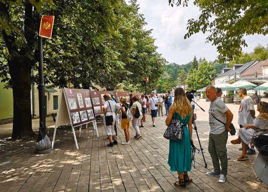 Izložba starih fotografija na Cetinju