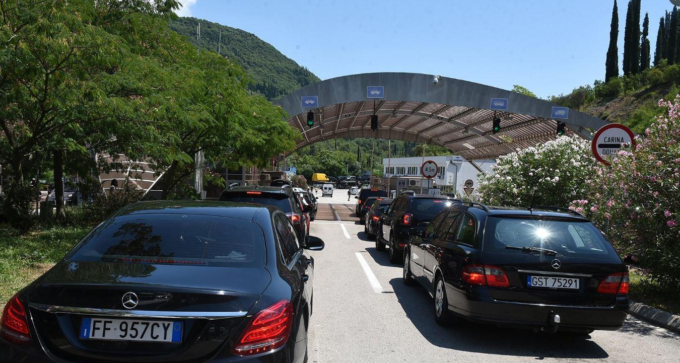 Crna Gora otvara u ponoć sve putne granične prelaze