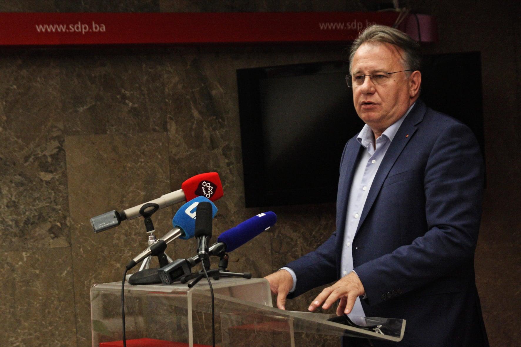 Nikšić: Pozivam crnogorske poslanike koji su glasali za Rezoluciju o Srebrenici da budu moji gosti