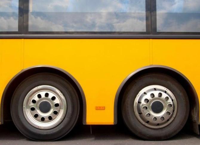 Turska: Autobus udario u kamion pa se zapalio, 13 mrtvih