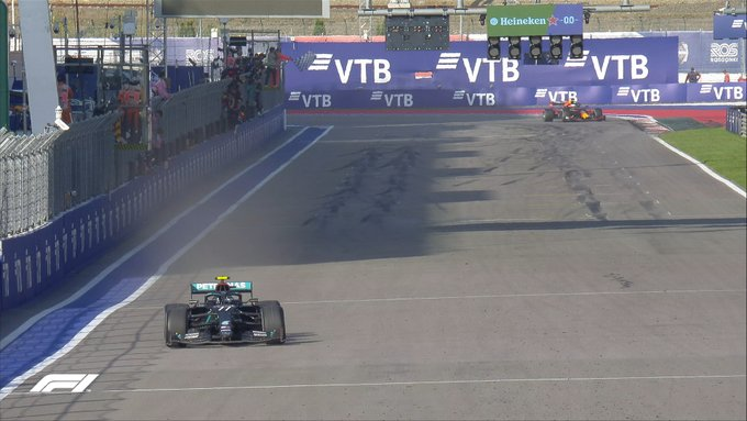 Botas iskoristio kažnjavanje Hamiltona i pobijedio u Rusiji!