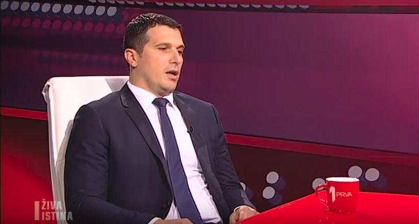 """Pogledajte """"Živu istinu"""" sa Nikolom Janovićem"""