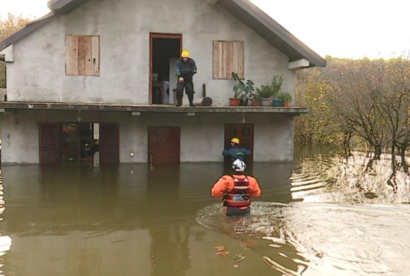 Situacija u Broćancu i dalje teška, u ostalim djelovima stabilno