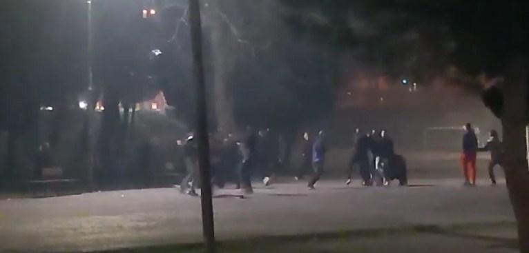 Pogledajte snimak: Masovna tuča u Podgorici, povrijeđena jedna osoba