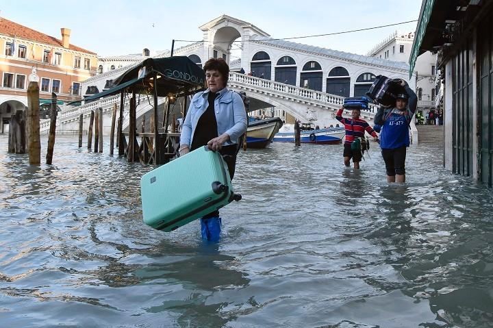 Sistem podvodnih vrata koji će zaštititi Veneciju od poplava