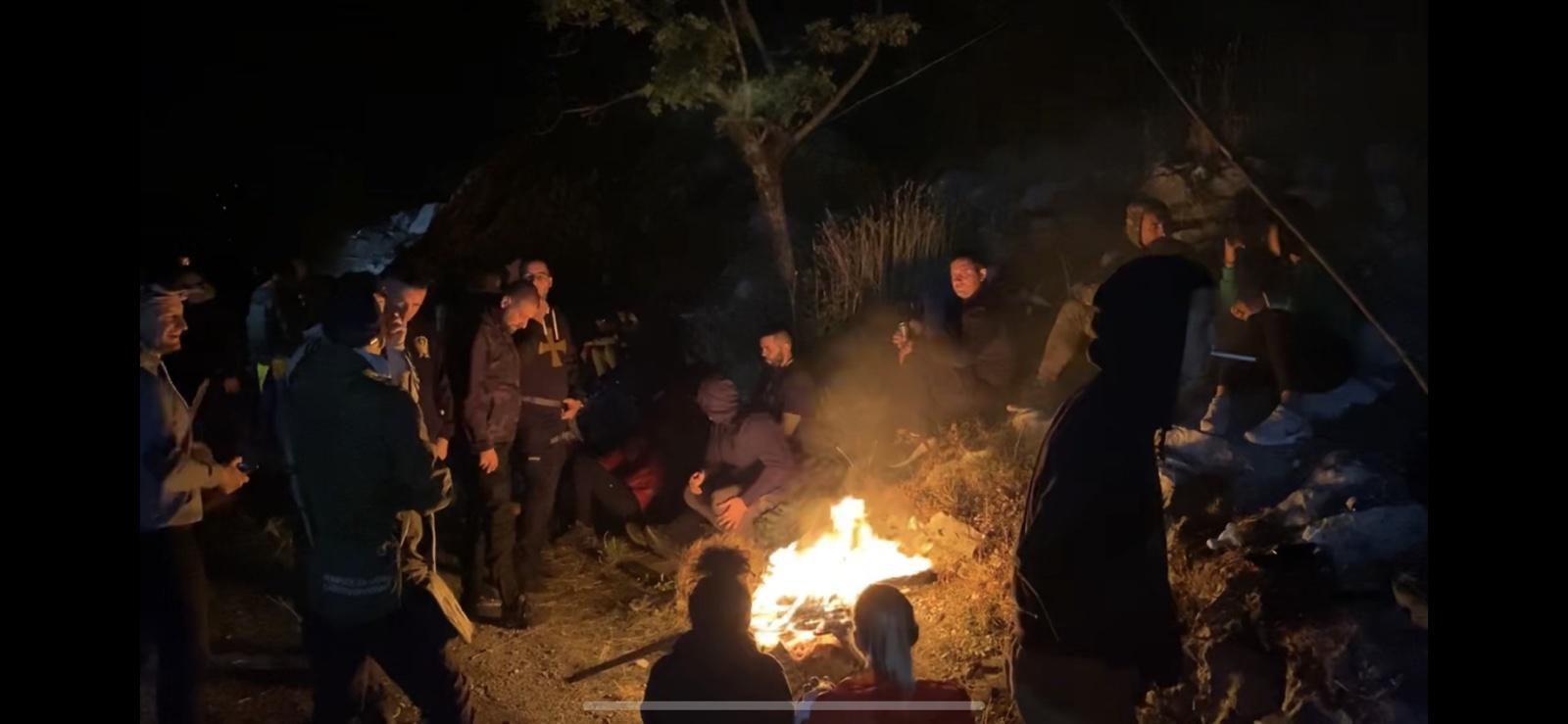 4. septembar u fotografijama i snimcima: Hiljade građana na cjelonoćnoj straži - Joanikije neće proći