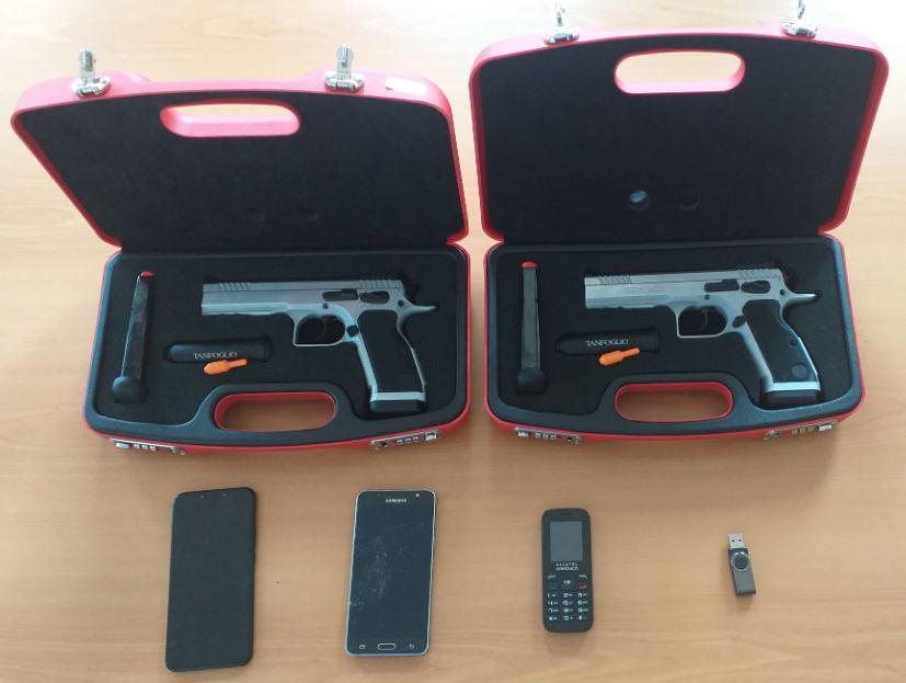 Hapšenje na Cetinju: Oduzeti pištolji, marihuana...